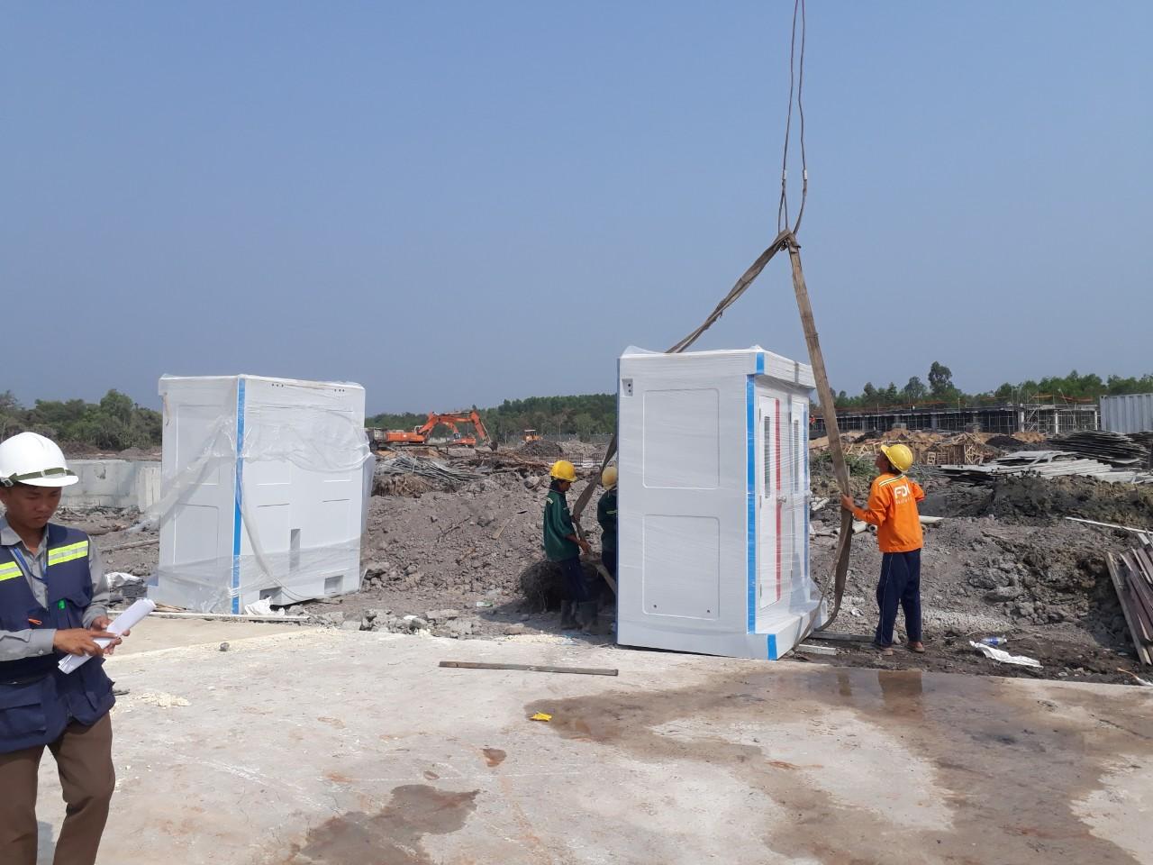 Nhà vệ sinh di động đôi giao tại Vũng Tàu