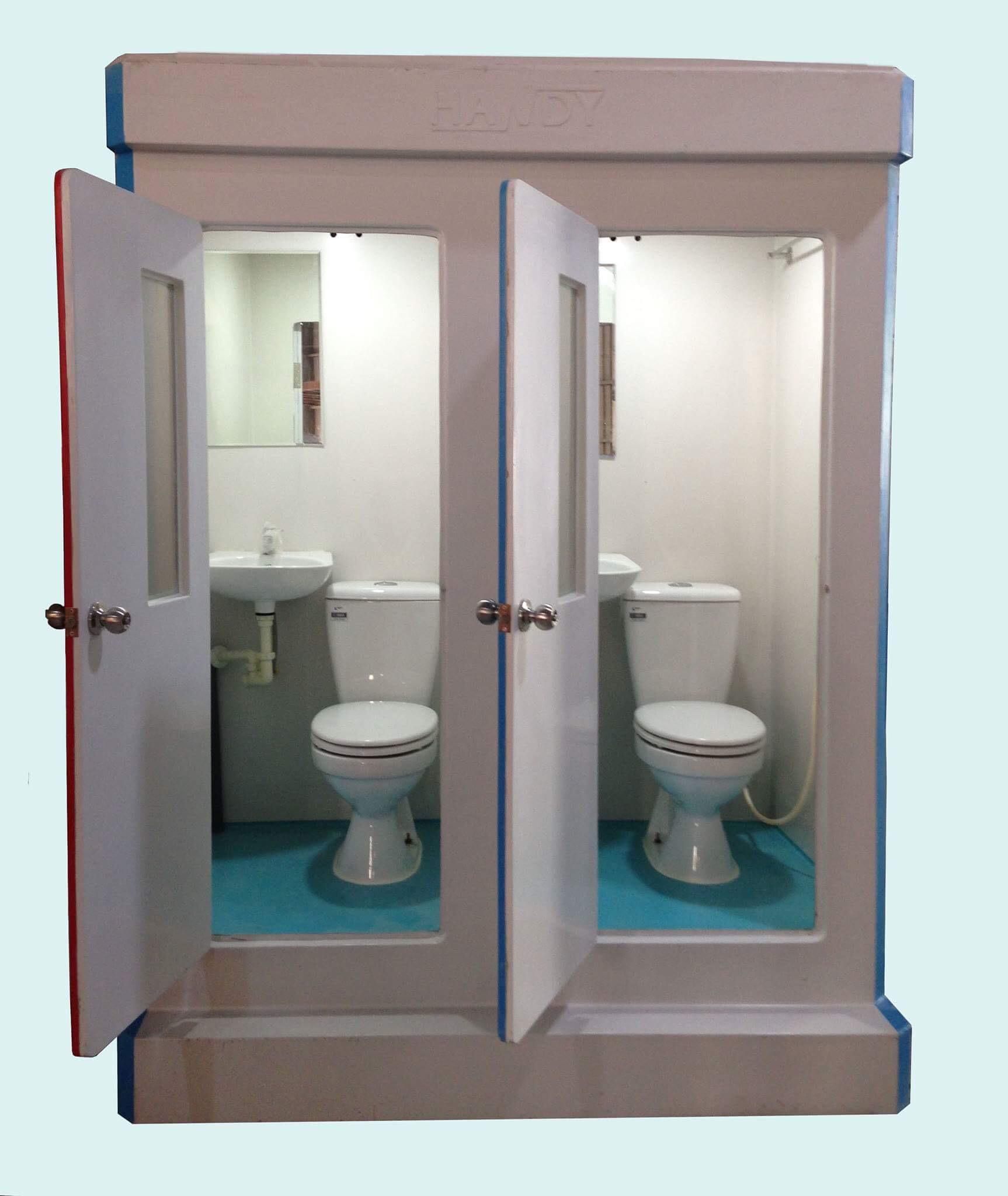 Nội thất nhà vệ sinh composite đôi