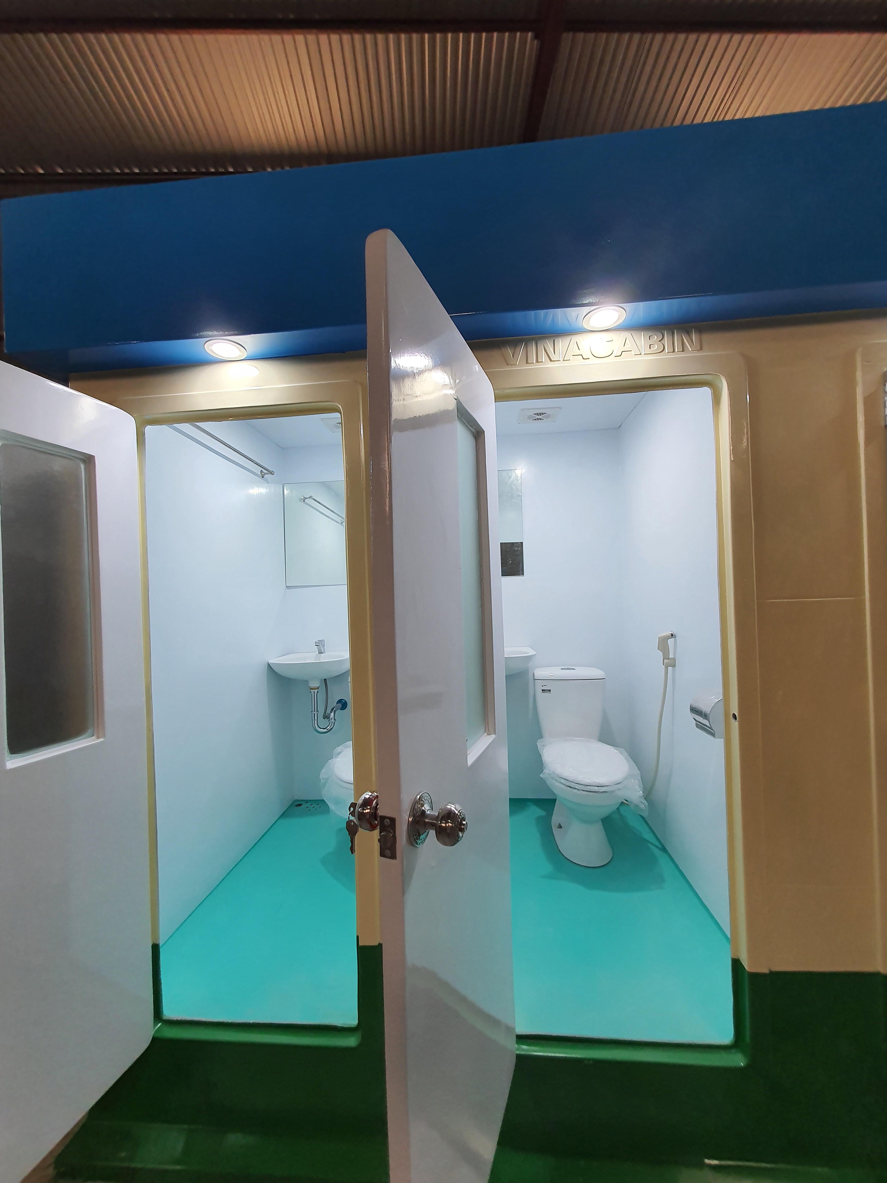Nội thất nhà vệ sinh di động 3 buồng V18.3
