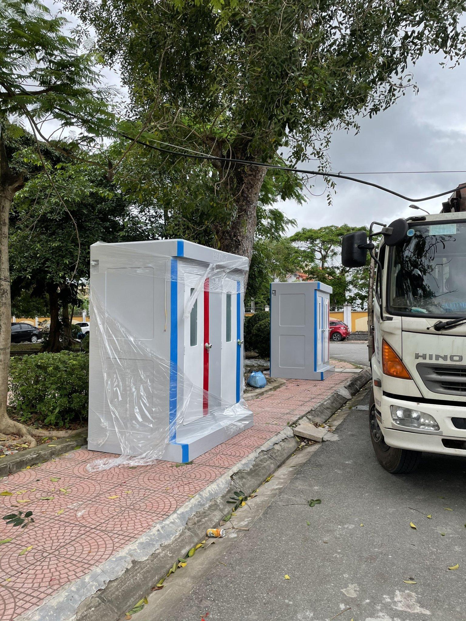 Toilet composite phục vụ cách ly Covid